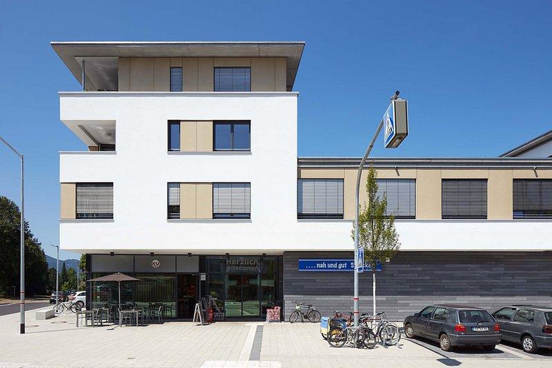 wohn- und geschäftshaus kirchzartener straße / weilerstraße   architektur: melder & binkert freie architekten baslerstrasse 11 79100 freiburg im breisgau www.melder-binkert.de