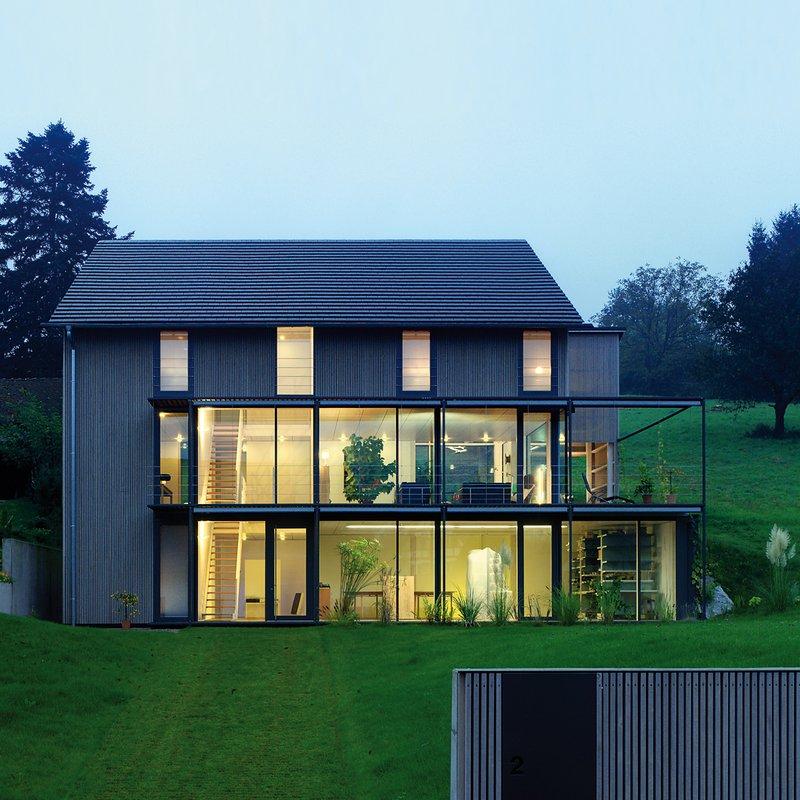 Aussenansicht Südfassade mit Garagenvorbau Planung Schaudt Architekten Konstanz Oktober 2013