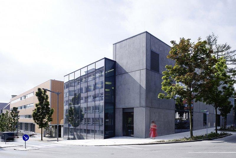 Auftraggeber: Vermšgen+Bau Baden-WŸrttemberg Bauherr: Studentenwerk Freiburg Architekten: SchŠdler+Zwerger, Leinfelden-Echterdingen Einweihung 10/08
